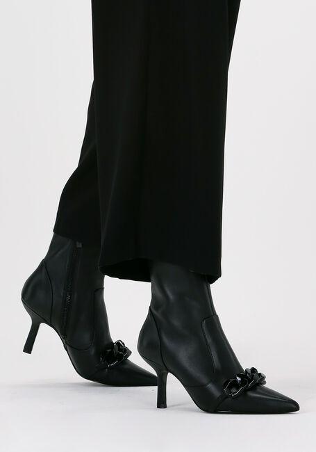 MICHAEL KORS Bottines SCARLETT ANKLE BOOTIE en noir  - large